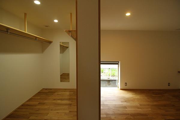 1階居室とウォークインクローゼット