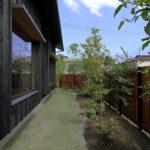 リビング脇の庭